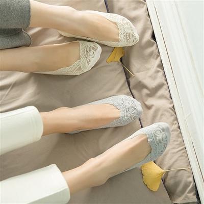 【1/3/5双装】蕾丝花边船袜女防滑硅胶薄款浅口隐形袜超薄纯棉袜